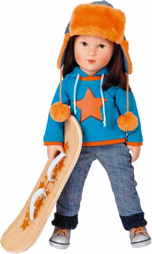 Staande pop Cool Girl Toni met Snowboard (41cm)  Ben jij net als Toni ook een stoere meid? Dan is Toni de vriendin voor jou. Met haar snowboard bedwingt ze de hoogste bergen. Samen zullen jullie veel plezier gaan beleven. Ben jij ook zo gek op de sneeuw?  Ieder kleine meisje wil later een prachtige jongedame worden. Speciaal hiervoor zijn deze prachtige poppen ontwikkeld. Ideaal voor het spelen van rollenspellen. Deze schattige staande poppen zijn gemaakt van vinyl.