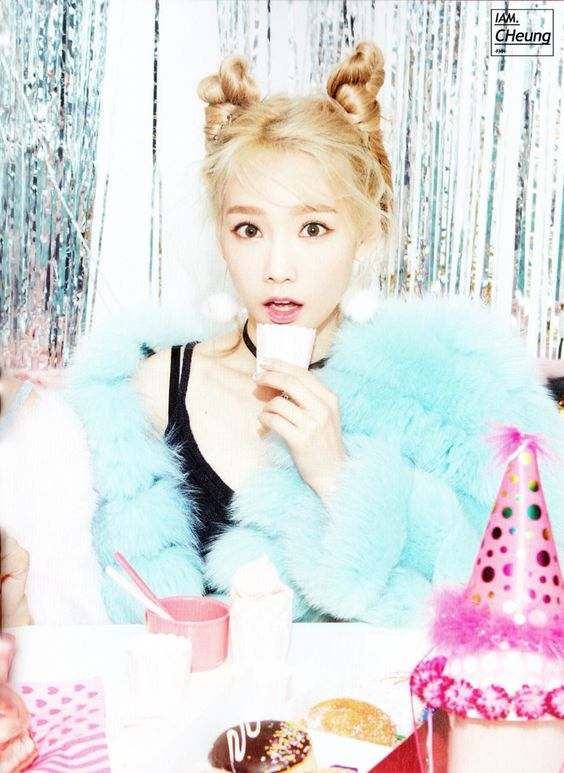 151204 SNSD TaeTiSeo the 3rd Minim album 'Dear Santa' Photobook SNSD TTS Taeyeon: