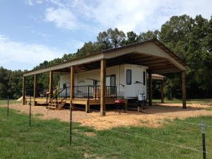 Metals town and country and country on pinterest for Rv storage buildings with living quarters