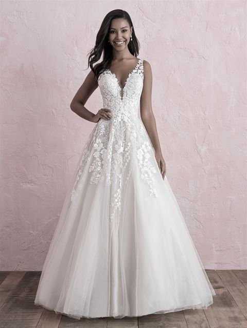 Allure Bridals Wedding Dress Available At The Bridal Shoppe In St Louis Mo 636 931 8464 Https W Allure Bridal Allure Wedding Dresses Romance Wedding Dress