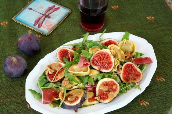 Tortellinisalat-mit-Feigen-Prociutto-und-Rotwein-Vinaigrette