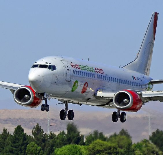 VivaAerobus Boeing 737-3Y0 XA-VIJ (cn 24677/1837)  Las Vegas - McCarran International (LAS / KLAS) USA - Nevada, May 26, 2011 Photo: Tomás Del Coro