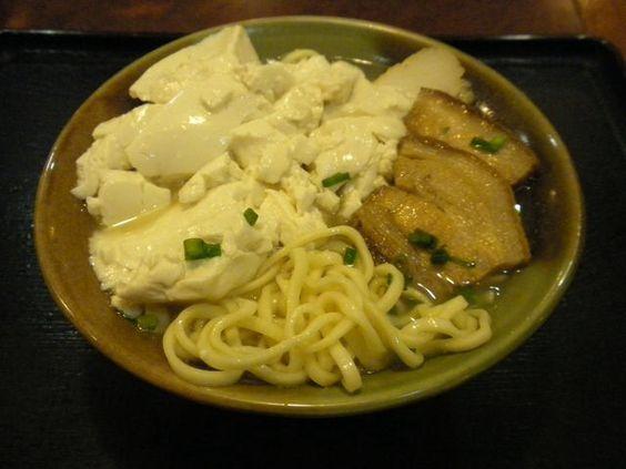 「具志川そば」のゆし豆腐そば