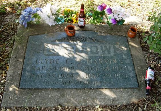 Clyde Barrow Grave (Bonnie and Clyde) - Western Heights ...