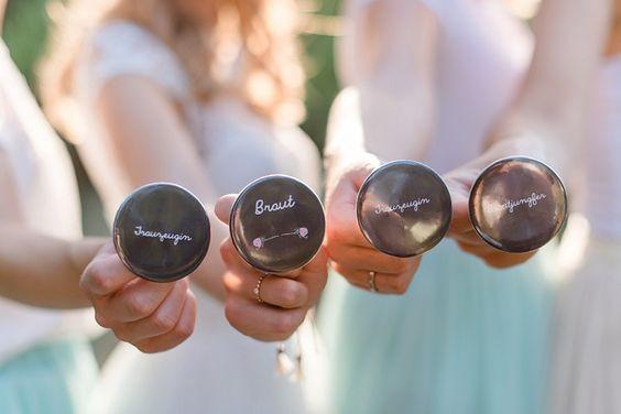 Was sind eigentlich die Aufgaben einer Trauzeugin? | Hochzeitsblog - The Little Wedding Corner