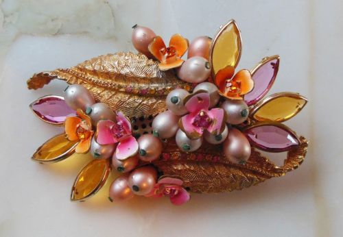 ALICE CAVINESS BROOCH - Signed Pin - Pink & Yellow Crystals/Pearls/Flowers