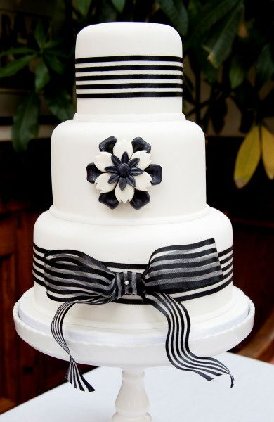 black & white brooch cake