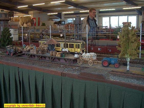 """Ausstellung """"Club der LGB-Freunde Rhein/Sieg"""" in Meckenheim am 19. + 20. März 2005: Laderampe"""