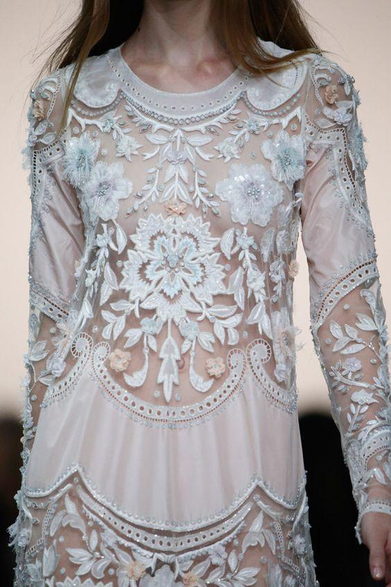 | Roberto Cavalli Spring/Summer 2015. Milan Fashion...