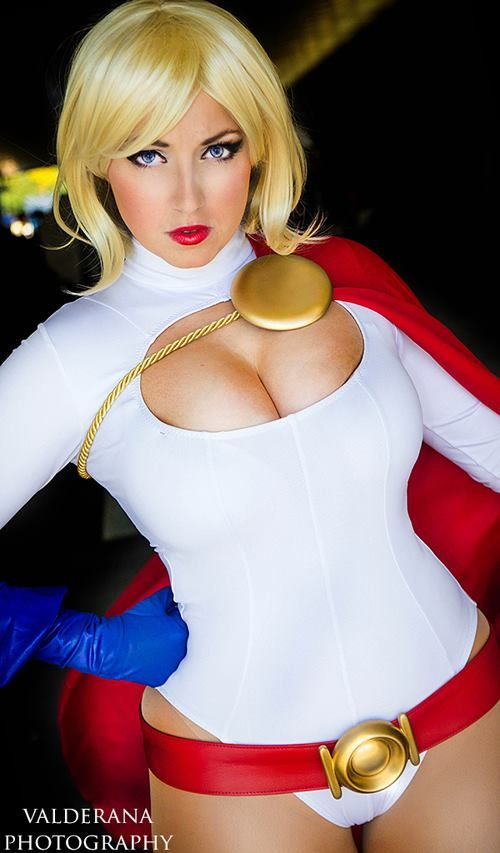 Character: Power Girl (Kara Zor-L, aka Karen Starr) / From: DC Comics 'Power Girl' & 'Justice Society of America' / Cosplayer: Jess Caamano (aka Jaycee Cosplay) / Photo: Alex Valderana Photography