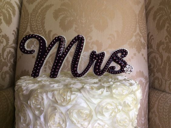 Hey, I found this really awesome Etsy listing at https://www.etsy.com/listing/189789060/custom-pearl-monogram-cake-topper-cake