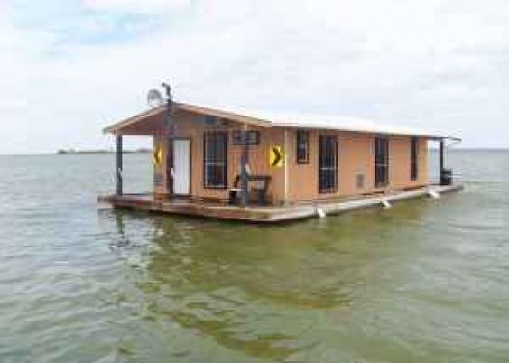 Floating cabin upper laguna madre near baffin bay for Fishing cabins in texas