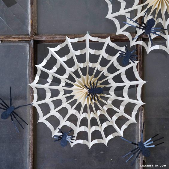 accordion spider web decorations - Spider Web Decoration For Halloween