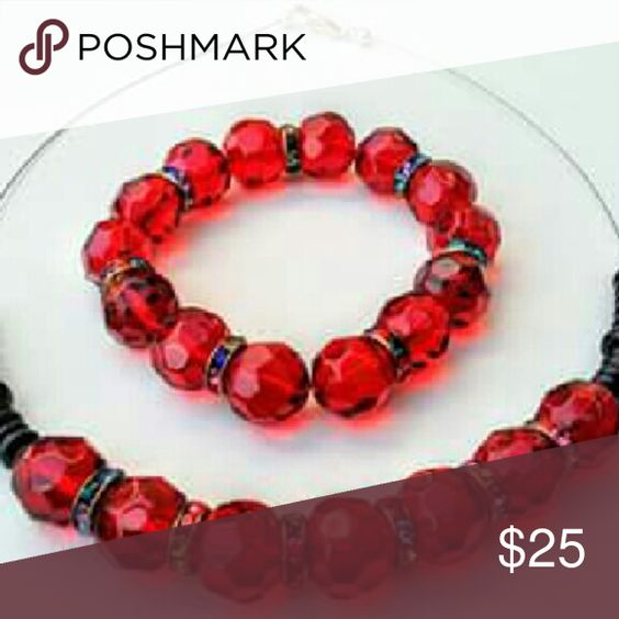 💯ABSOLUTELY GORGEOUS💯 💢Beautiful Sparkling Red💢  💢Love this set!! Sparkles on its on.. Beautiful with a black top! Give your wardrobe a little pizzazz.... Made with high quality beads! Nice weight to these pieces!!💢 Jewelry