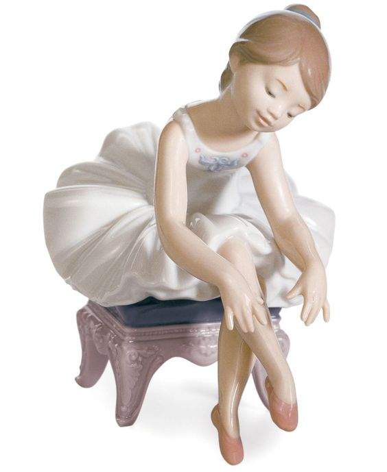 Lladro Collectible Figurine, Little Ballerina