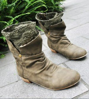 Low Cut Crocheted Lace Lining Boots in Dark Green, Little Mori $40.81