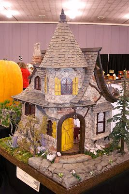 Good Sam Showcase of Miniatures: At the Show - Exhibits: