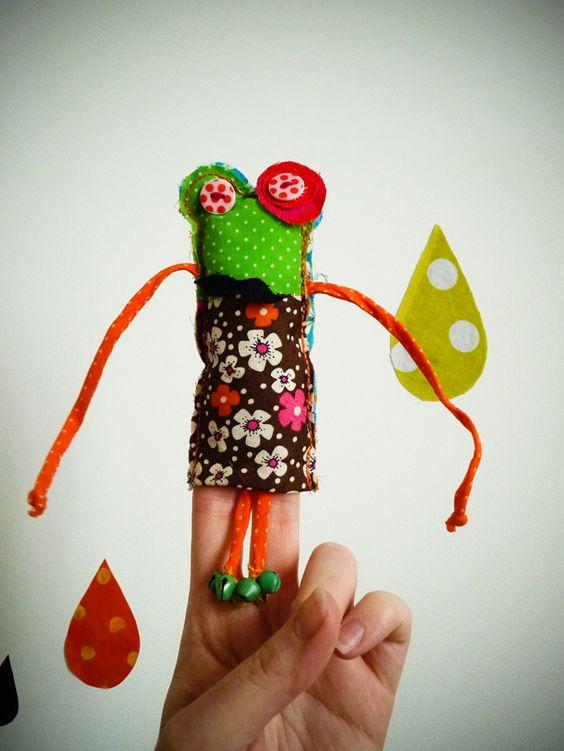 Fabriquer une petite marionnette pour doigts marionnettes pinterest artisanat grenouilles - Fabriquer une marionnette articulee ...