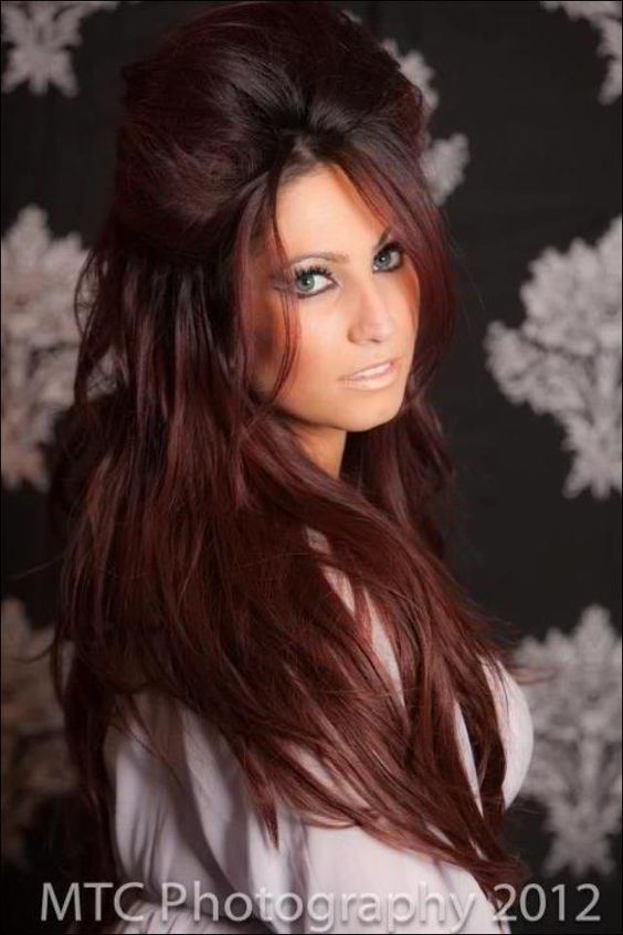 Tracy DiMarco -- I have to tell myself to stay blonde when I see pics like this. I <3 this hair.