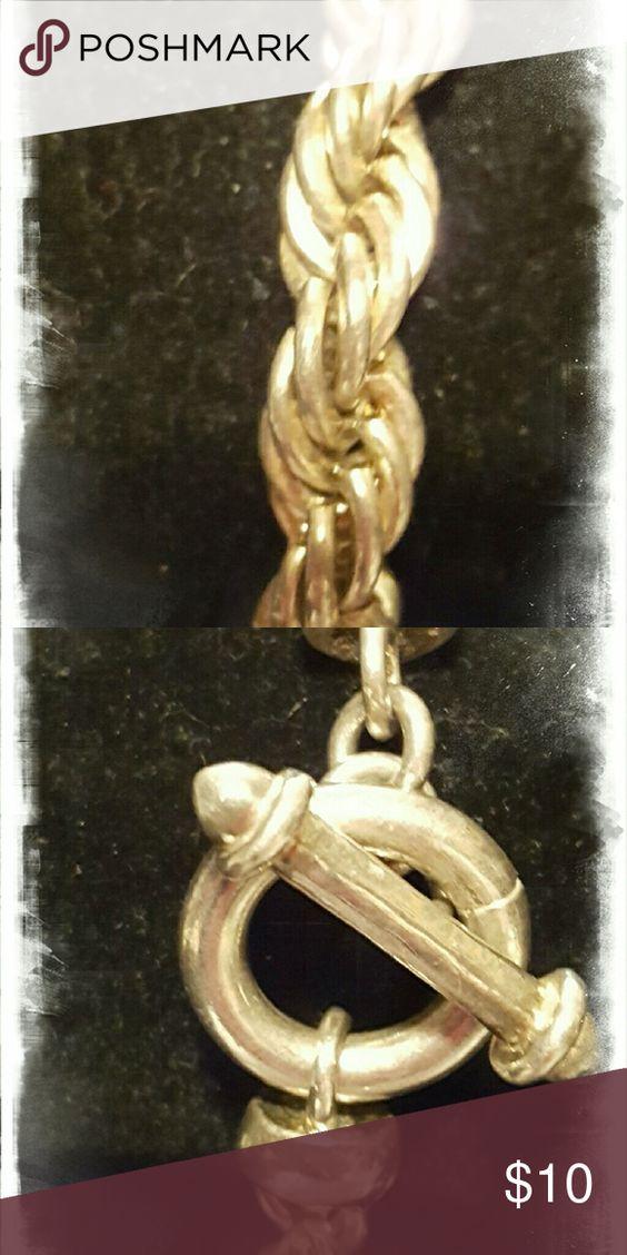 Bracelet A silver chain bracelet. Jewelry Bracelets