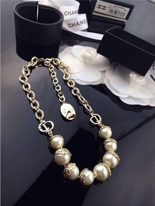 Dior pearl collar necklace