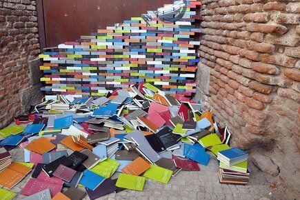 Los libros de Artemisa en Masquelibros 2012   instalación de Suso33