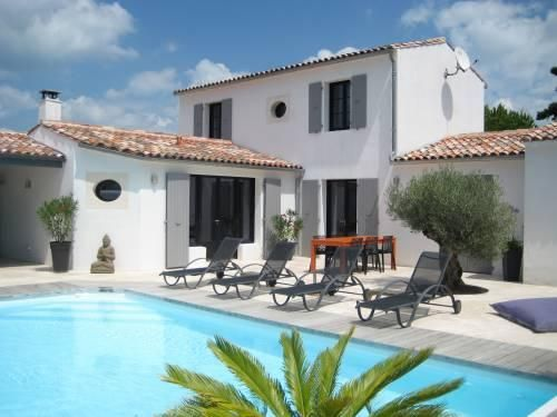 Belle villa avec piscine ext rieur r tais sur l 39 le de r for Location maison avec piscine ile d oleron