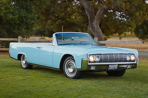 1964 Lincoln Continental Convertible #LINCOLN #AMERICANCARS #CLASSICARS