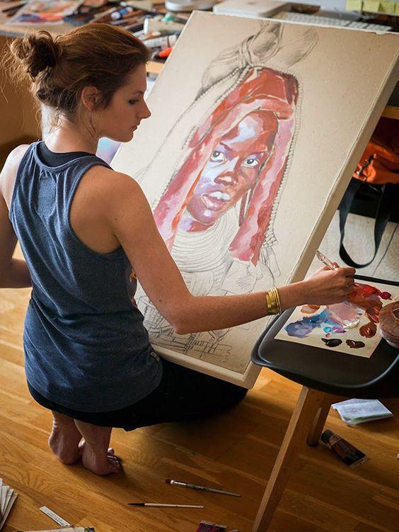 Stéphanie Ledoux painting a Himba woman portrait in her art studio #workspace.