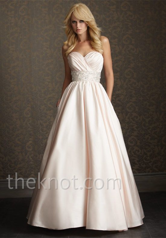 Check out this #weddingdress: 2510 by Allure Romance via iPhone #TheKnotLB from #TheKnot but in WHITE!!