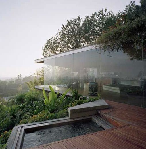 Glass Wall Home in the Hollywood Hills Glass wall... | The Khooll