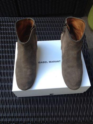 Je viens de mettre en vente cet article  : Santiags, bottines, low boots cowboy Isabel Marant 195,00 € http://www.videdressing.com/santiags-bottines-low-boots-cowboy/isabel-marant/p-2973645.html?utm_source=pinterest&utm_medium=pinterest_share&utm_campaign=FR_Femme_Chaussures_Bottines+%26+low+boots_2973645_pinterest_share