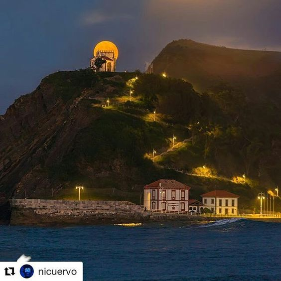 @nicuervo fantástica foto. #supermoon #asturias