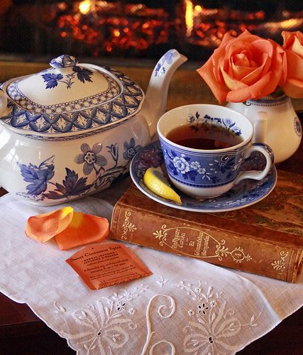 beautiful blue and white china still life by: Linda Yvonne: