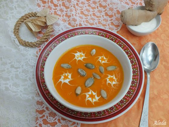 Tökmagos sárgarépa leves