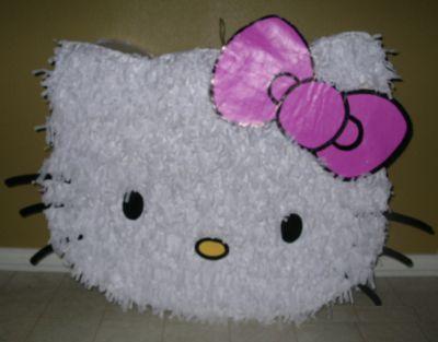 Piñata de Hello Kitty hecha con una Caja de Cartón http://www.mejorandomihogar.com/2009/11/blog-images.html