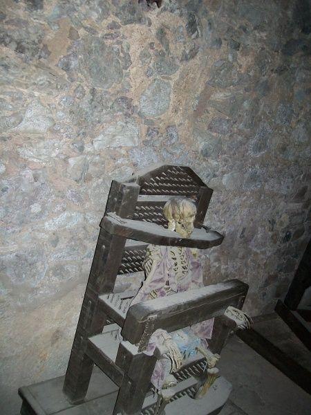 Instrumentos  de tortura reales 3e0578146d73647de56d0e7482f17463