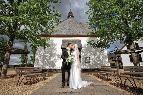 PROFESSIONELLE FOTOGRAFISCHE DIENSTLEISTUNGEN // People-Fotografie // Unternehmens-Fotografie // Produkt-Fotografie // Hochzeitsfotografie // Katalog-Fotografie // Beauty-Fotografie // Setcard-Fotografie // Architektur-Fotografie // Reportage-Fotografie auf großen Events Ka Wai Ho www.kawaiho.de www.kreativ-netzwerk.com