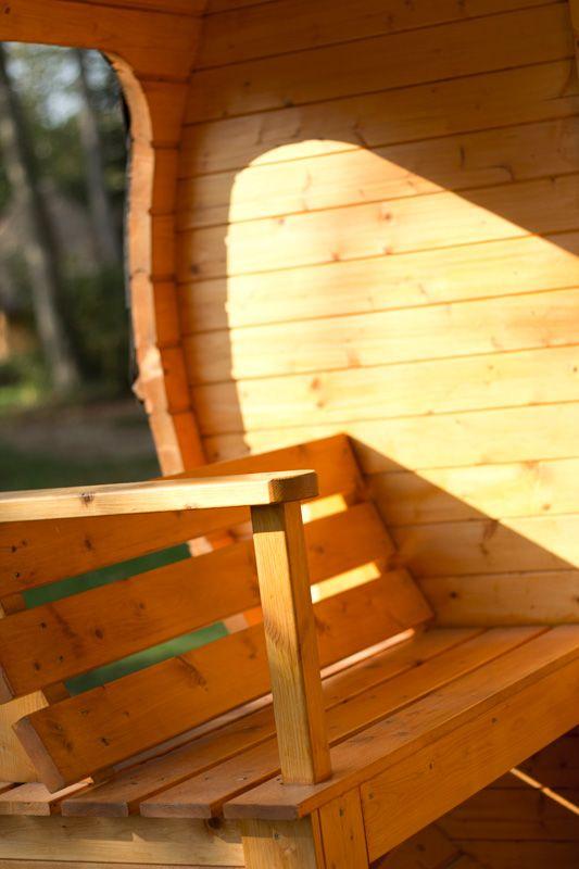 h bergement insolite le tonneau cabanes dans les arbres cabanes sur l 39 eau domaine des ormes. Black Bedroom Furniture Sets. Home Design Ideas