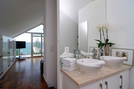 Bathroom Detail Scheider Chalet
