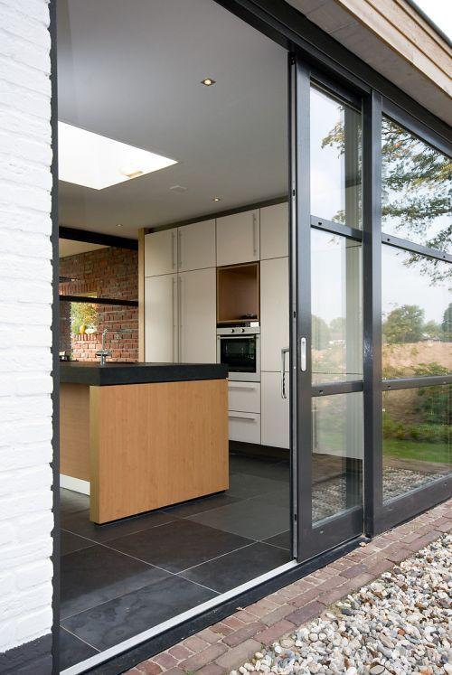 Wit met eiken design keuken met exclusieve houten laden en ...