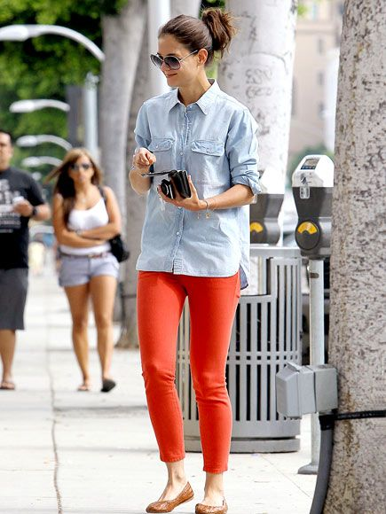 Katie Holmes in chambray shirt + red denim
