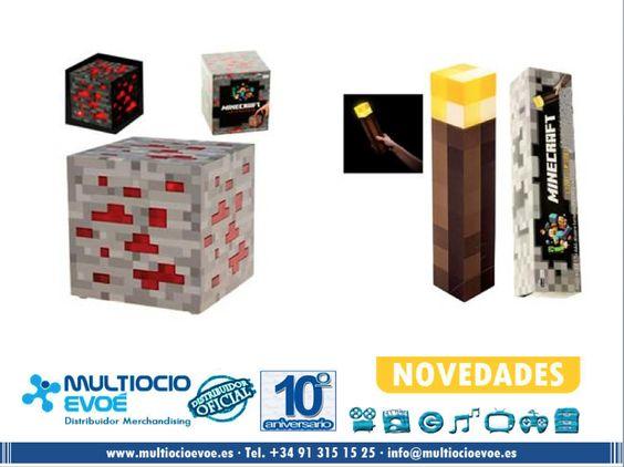 MINECRAFT - LÁMPARAS y LINTERNAS  - LICENCIA OFICIAL - Fecha estimada de entrega AGOSTO. MINECRAFT - LÁMPARA - REDSTONE ORE ROJO Material: PVC. Presentación: caja. Medidas: 10x10x10cm. Necesita dos pilas AA no incluidas. MINECRAFT - LINTERNA - WALL TORCH Material: PVC. Presentación: caja. Medidas: 28x5x5cm. Necesita tres pilas AAA no incluidas. http://www.multiocioevoe.es