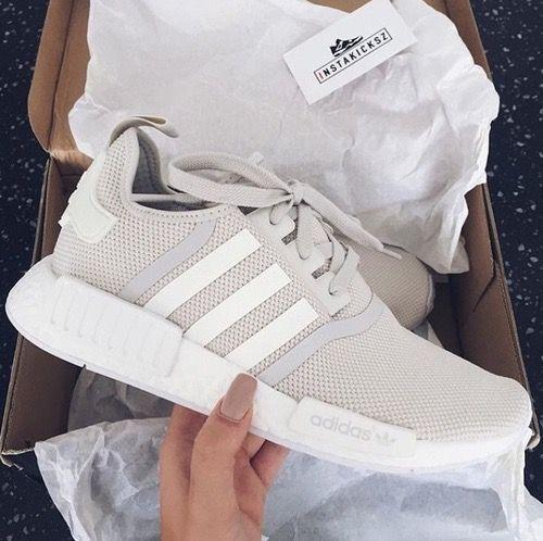 shop shoes on Adidas vrouwen, Outfit ideeën en Adidas schoenen