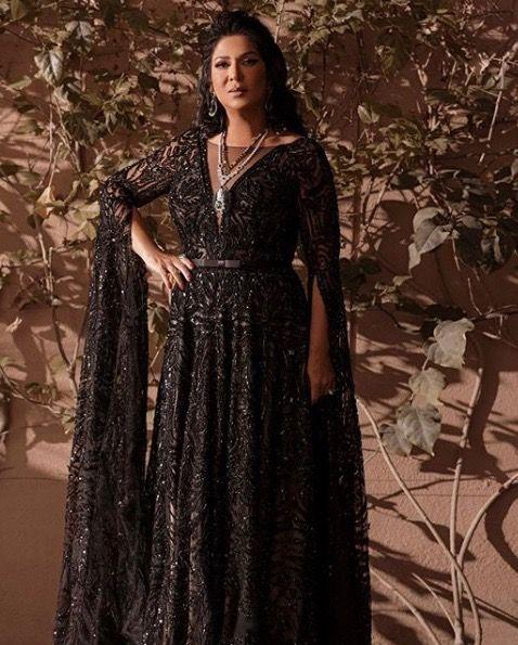 فساتين سهرة فاخرة للسيدات من نوال الكويتية مجلة سيدتي لاحظنا في السنوات الماضية اهتمام نوال الكويتية المتزايد بإطل Long Sleeve Dress Victorian Dress Dresses