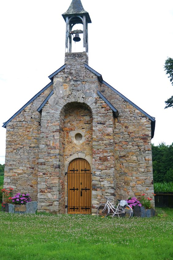 A bike ride through the French countryside: