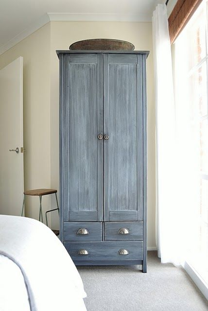 painted gray, white drybrush glaze.  Maybe I can do this with my dresser?...