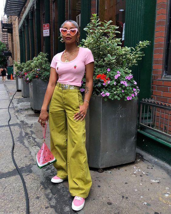 """11.6 mil Me gusta, 72 comentarios - 🌸🌸Yerrr🌸🌸 (@wuzg00d) en Instagram: """"Accidentally created another pink& green outfit 🙄"""""""