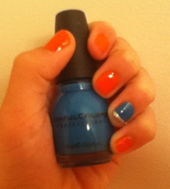 Actually a coral color instead of orange. I couldn't find the right light.