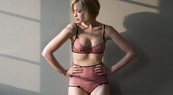 'le boudoir' is an exclusive high-end lingerie collection, first introduced in 2oo6. Its style is reduced and modern, yet highly sophisticated and very sexy. All fabrics and materials are hand selected and carefully combined in order to achieve the unique characteristic of 'le boudoir'. The layering of different 'see-trough' fabrics produces a variety of colour shades, which sometimes seems to evade the real world. Suddenly, you can see some skin through and in the next moment the…
